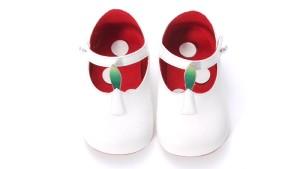 ユニベアの靴©Disney